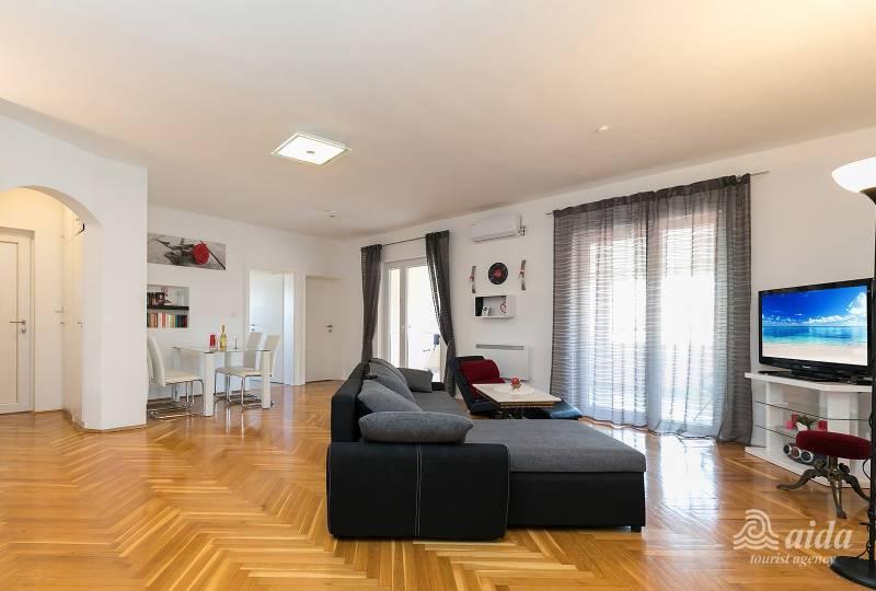 Apartment Vama