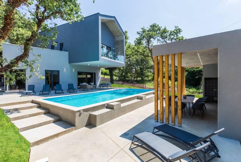 Villa Vela with Pool